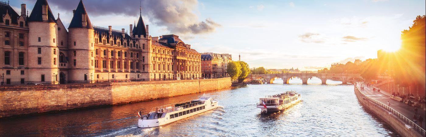 La Seine devant le palais de la Cité
